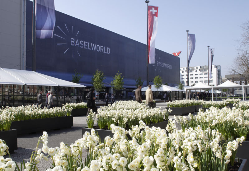 baselword_outside2009.jpg
