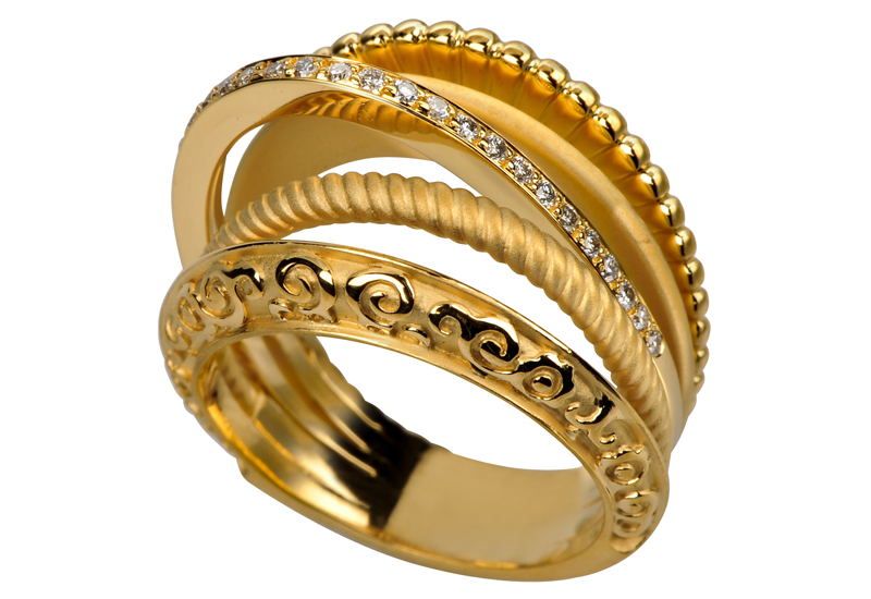 carrera-alegria-yellow-gold-with-diamonds.jpg
