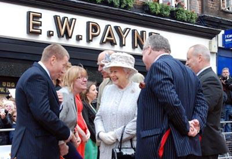 queen-visits-ew-payne.jpg