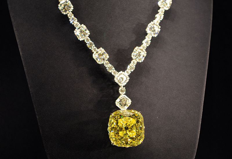 yellow-diamond-necklace144549180.jpg