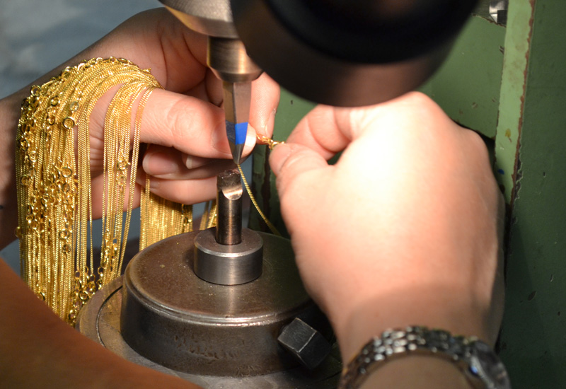 Gold chains hallmarking