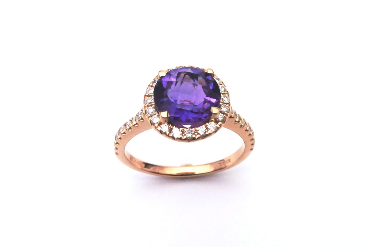 Warrenders Platinum Collection -Amethyst and rose gold ring